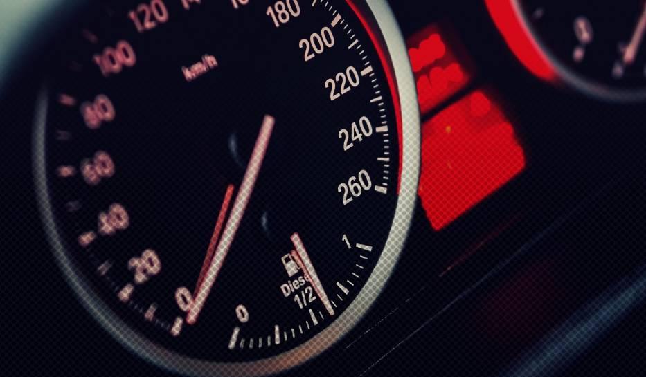 Najszybsze samochody świata. Nie uwierzysz, jaką prędkość osiągają. Zobacz 10 aut, które trudno dogonić!