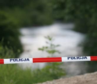 Znaleziono ciało 45-latka, który kąpał się w zalanej żwirowni