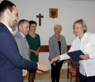 Nagrody burmistrza Drzewicy z okazji Dnia Edukacji Narodowej (FOTO)