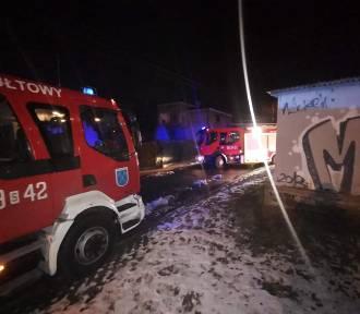 Pożar w Rydułtowach. Mieszkańcy ewakuowani przez balkon za pomocą drabiny