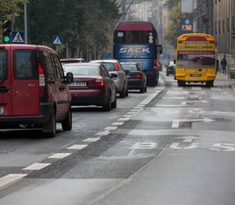 Wnioskują o wpuszczenie pojazdów pomocy drogowej na buspasy. To ma zmniejszyć korki