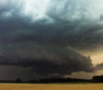 Pod koniec upalnego dnia nad Nysą możliwe burze z gradem i gwałtowne opady