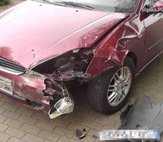 Wypadek w Rybniku. Powpadały na siebie trzy auta. Pokrzywdzony stracił prawko