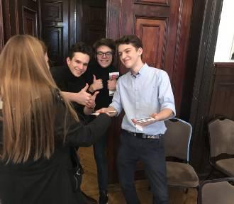 Szczecińscy uczniowie realizują projekt Future Compass w ramach Olimpiady Praktycznej Zwolnieni