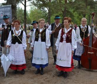 Jarmark Wdzydzki. Smak, zapach i tradycja Kaszub podana w lekkiej atmosferze [ZDJĘCIA]