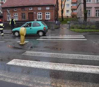 Malbork. Potrącenie pieszej na ul. Mickiewicza. Zdaniem policji, winę ponosi kierowca
