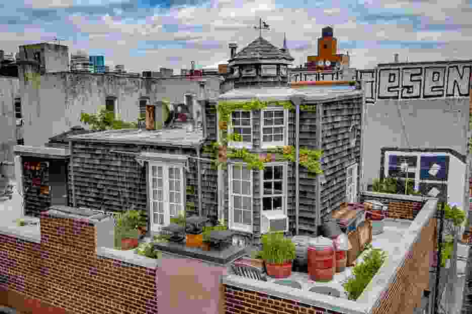 Nie macie pomysłu na dom? Możecie go zbudować na dachu bloku mieszkalnego [ZDJĘCIA]