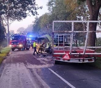 Zderzenie busa z ciągnikiem rolniczym na trasie Szamocin-Białośliwie