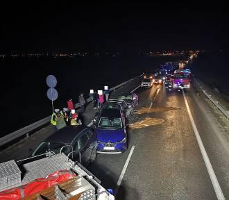 4 samochody zderzyły się na krajowej jedenastce