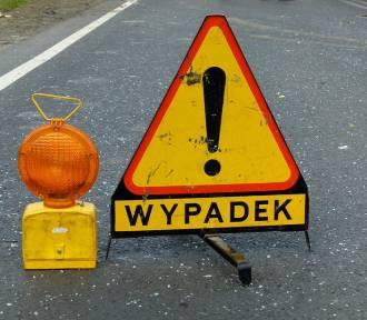 Wypadek w Mostkach. Ranny został motorowerzysta [FOTO]
