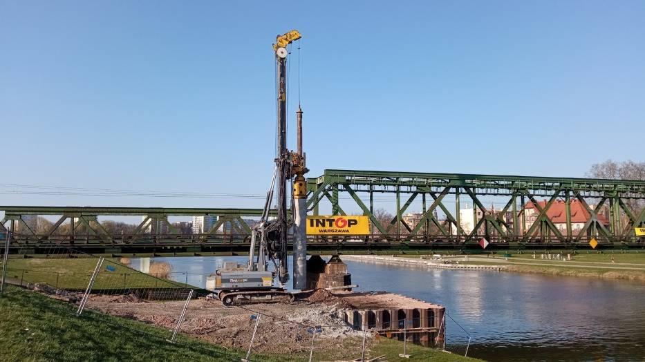 Budowa nowego mostu kolejowego nad Odrą w Opolu