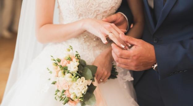 Nie do wiary, że wciąż w to wierzymy! Znasz najpopularniejsze przesądy na temat ślubu i wesela? QUIZ