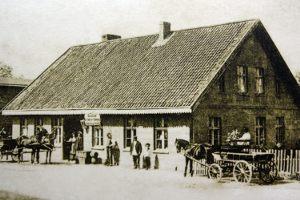 W przedwojennej Polsce większość budynków mieszkalnych była...