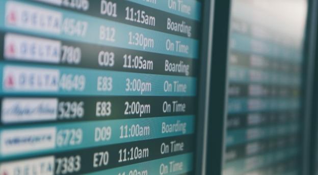 Czy wiesz, gdzie lecisz? Rozszyfruj te skróty i nazwy lotnisk! QUIZ