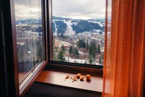 Jak często wietrzysz mieszkanie jesienią i zimą?
