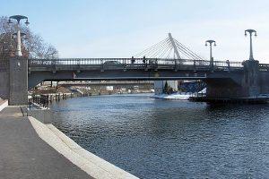 Zaczynamy od czegoś prostego. Wiecie, jak nazywa się ten most?