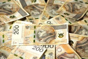 Co trzeba zawiesić przy drzwiach domu, aby mieć szczęście i pieniądze?