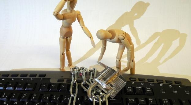 Czy wiesz jak chronić swój komputer? To łatwe! Wystarczy nie popełniać tych podstawowych błędów QUIZ
