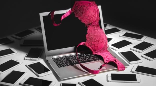 Czym grzeszysz w internecie? Sprawdź, jaka czeka cię kara za twoje wirtualne świnstewka!