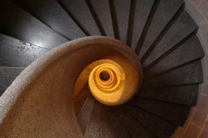 Wspinaczka po schodach po kilka razy dziennie, codziennie. Jak ci się podoba ta wizja?